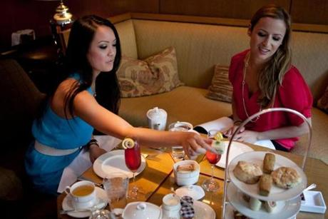Robin Yee, left, and Courtney Oesterling at the Four Seasons.